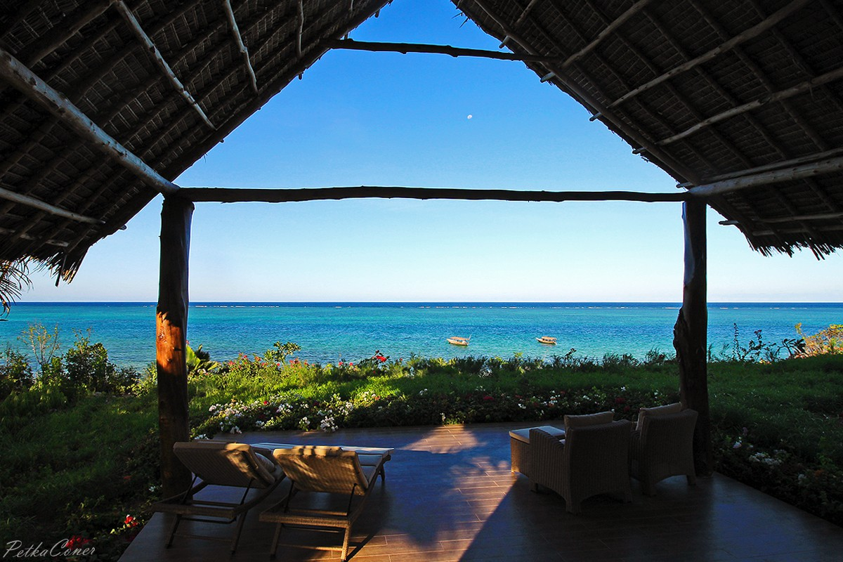 Zawadi barefoot luxury with the most spectacular view in Canape zanzibar